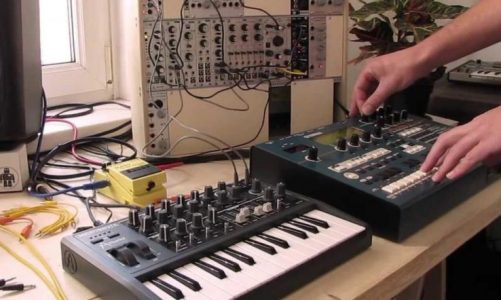5 Different Kinds of Synthesizers and How you Could Use them